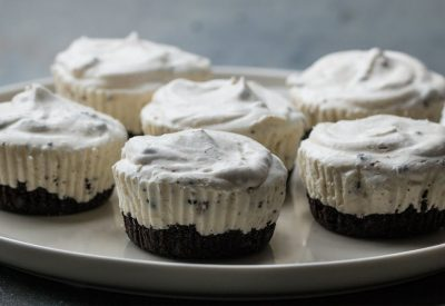 Mini Cookies N Cream Ice Cream Pies