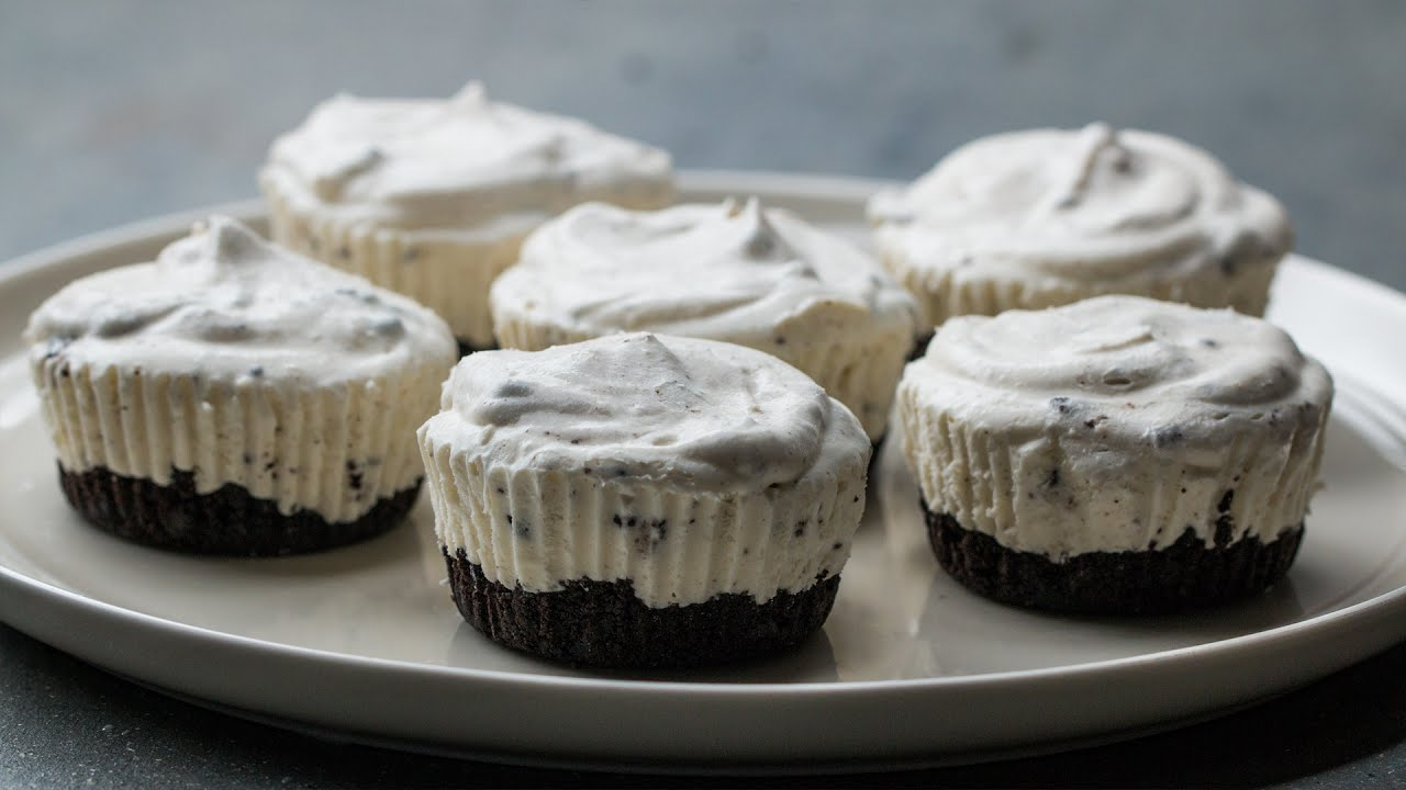 Mini Cookies N Cream Ice Cream Pies